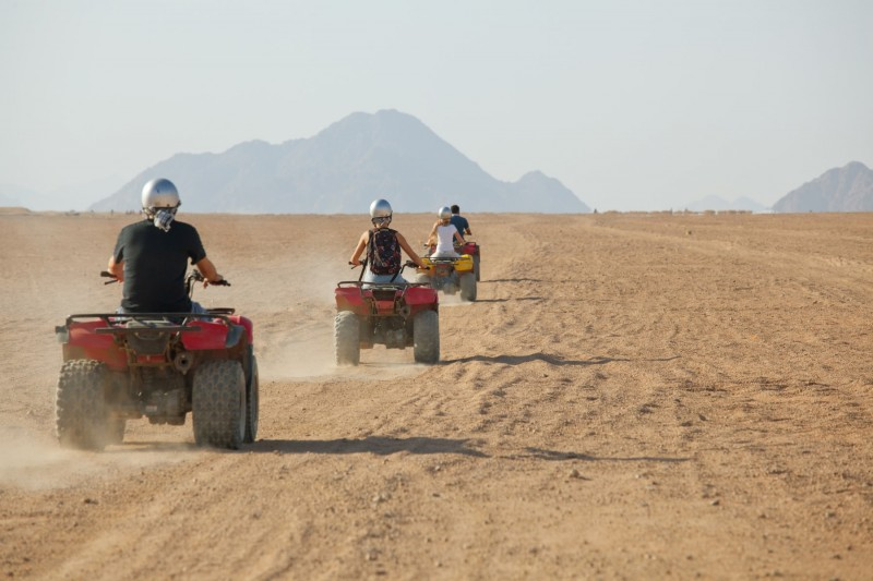 Trip by quad in the desert